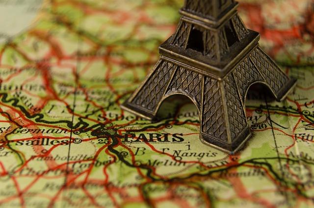 eiffelova věž na mapě