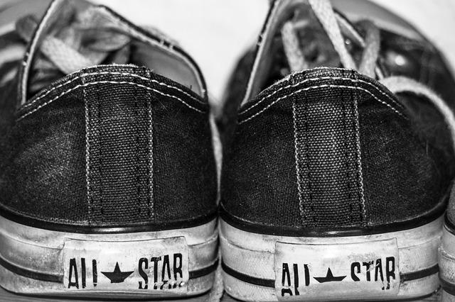 látkové boty converse